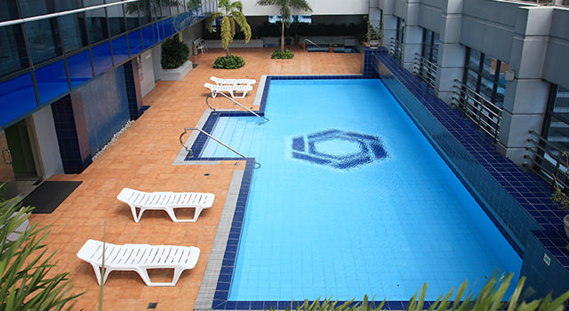 The Malayan Plaza - Swimming Pool